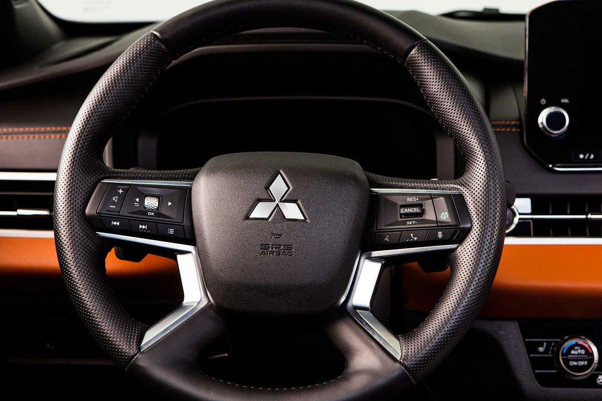 Đánh giá Mitsubishi Outlander 2022, sắp về Việt Nam đối đầu với Honda CRV và Mazda CX5 4