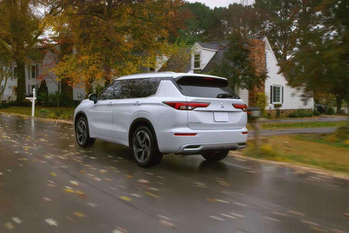 Đánh giá Mitsubishi Outlander 2022, sắp về Việt Nam đối đầu với Honda CRV và Mazda CX5 15